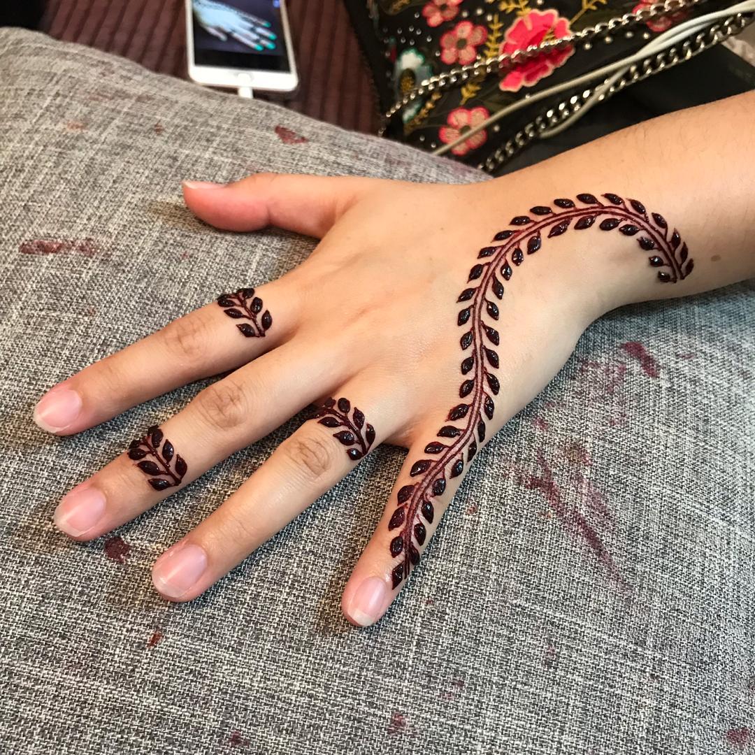 Minimalis Dedaun Lingkaran Bunga Trend Inai Raya 2019 Artikel Gempak