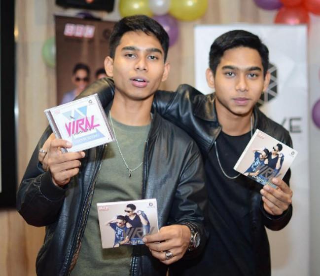 Dua Beradik Kembar Lancar Album Sempena Ulang Tahun Kelahiran