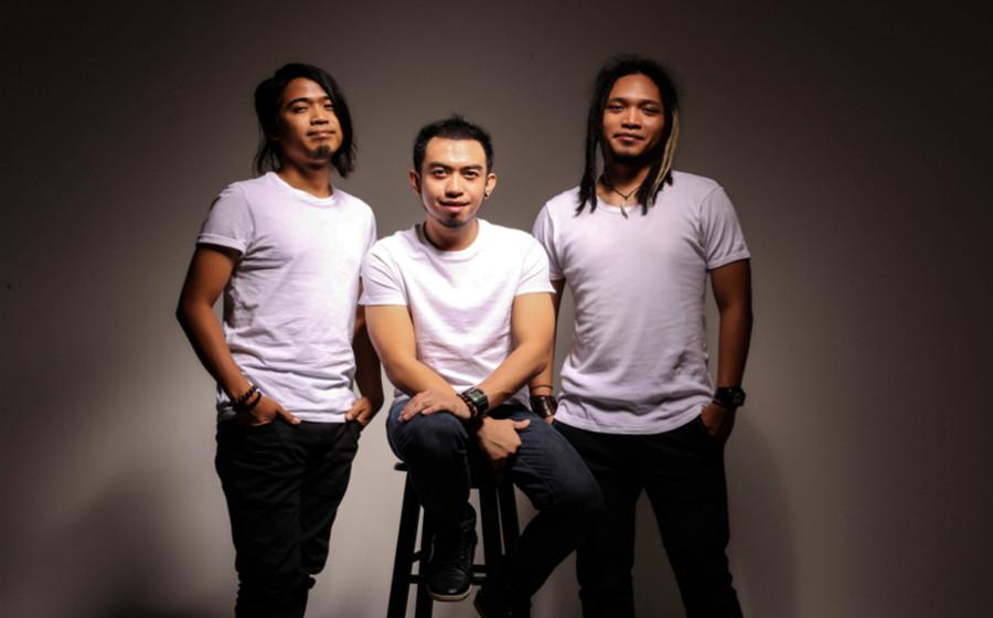 Konsert Jelajah, Estranged Pilih Kilang Bateri