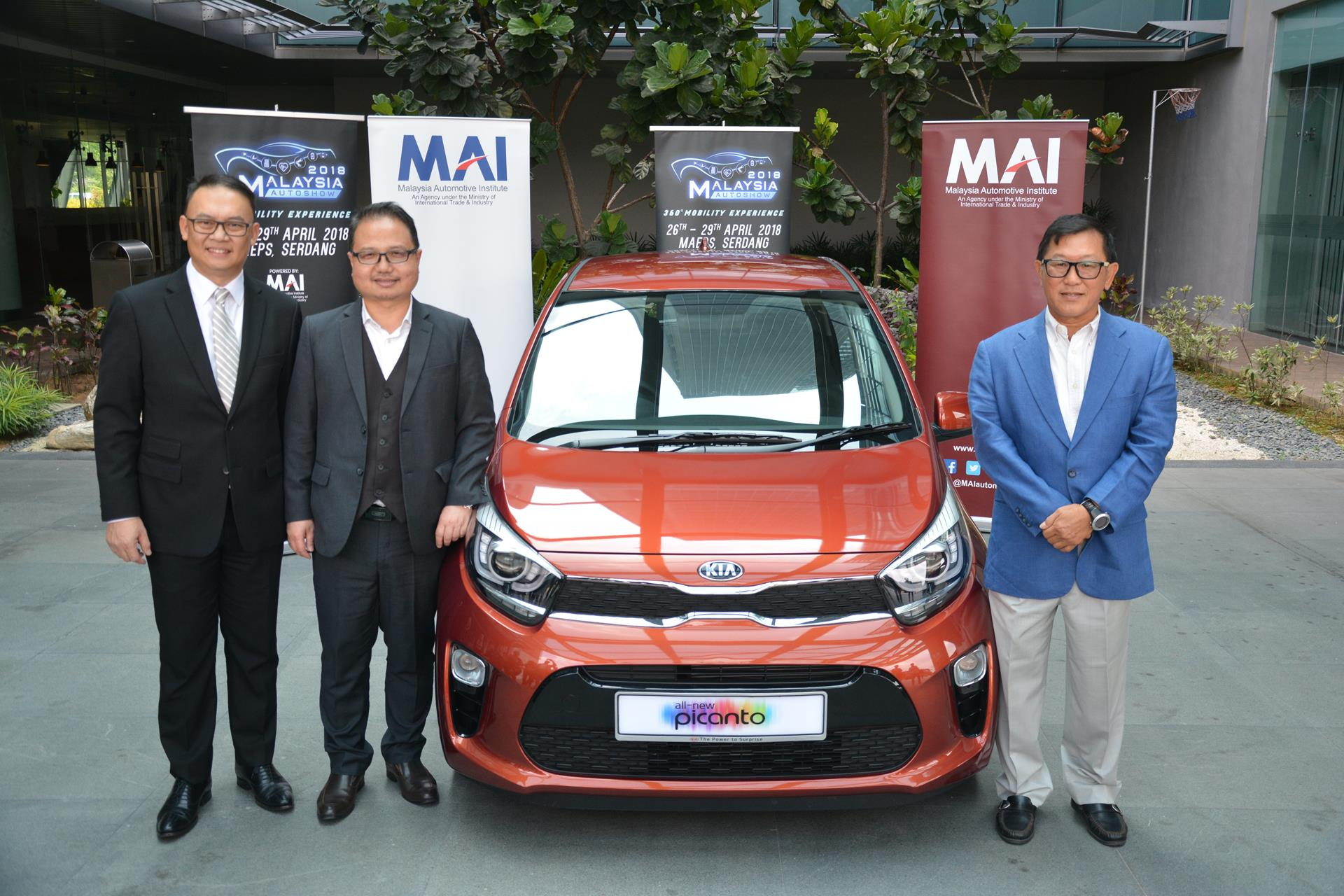 borgward is back at the malaysia autoshow