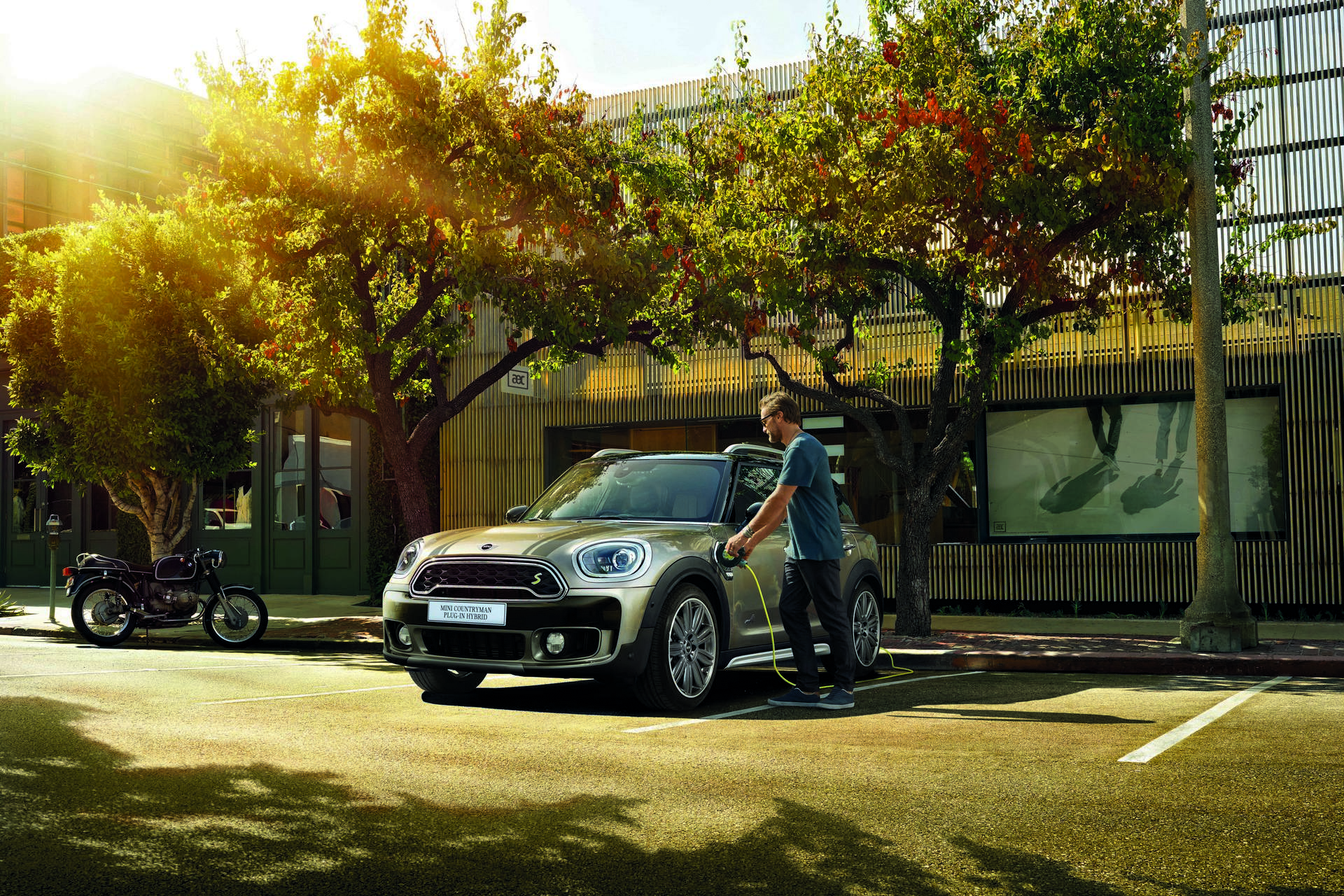 mini electrifies the countryman to go along with its electrifying driving