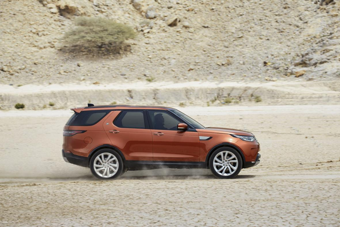land rover s new generation discovery is no longer a big box on wheels