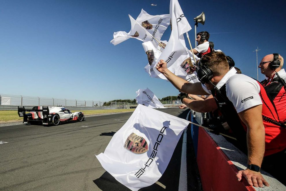 porsche 919 evo breaks space and time continuum at the nurburgring