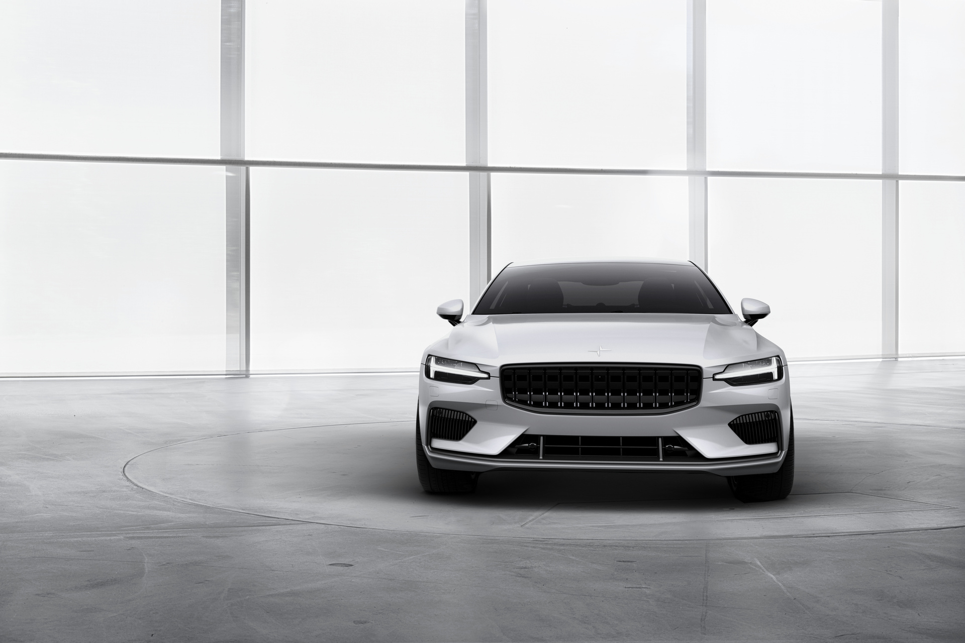 polestar 1 surprises nobody as it proves to be a hit on public debut