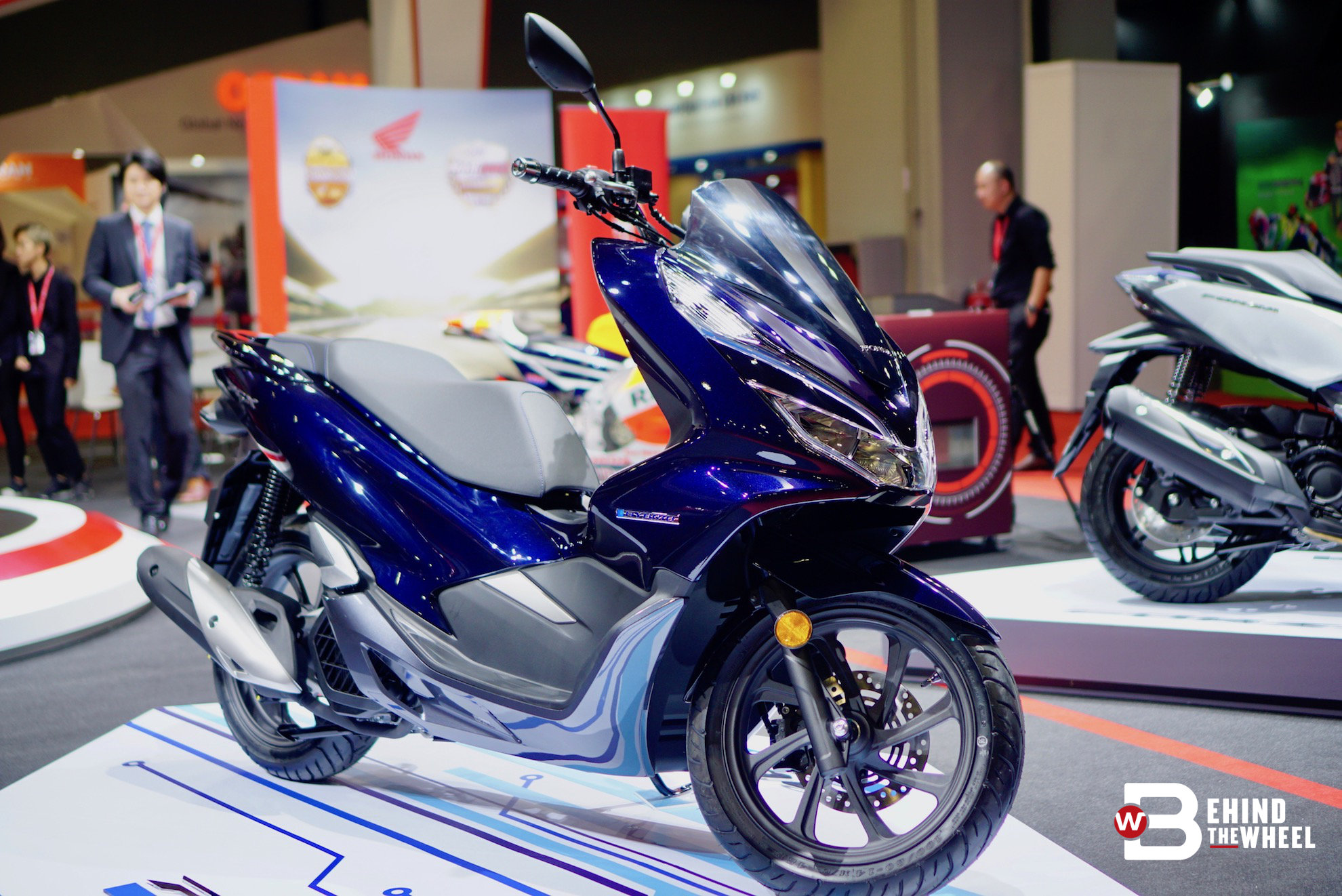klims 18 there are no other bikes in malaysia that are quite like the honda pcx hybrid