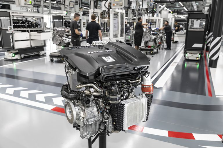 what it takes to make the most powerful production four cylinder engine