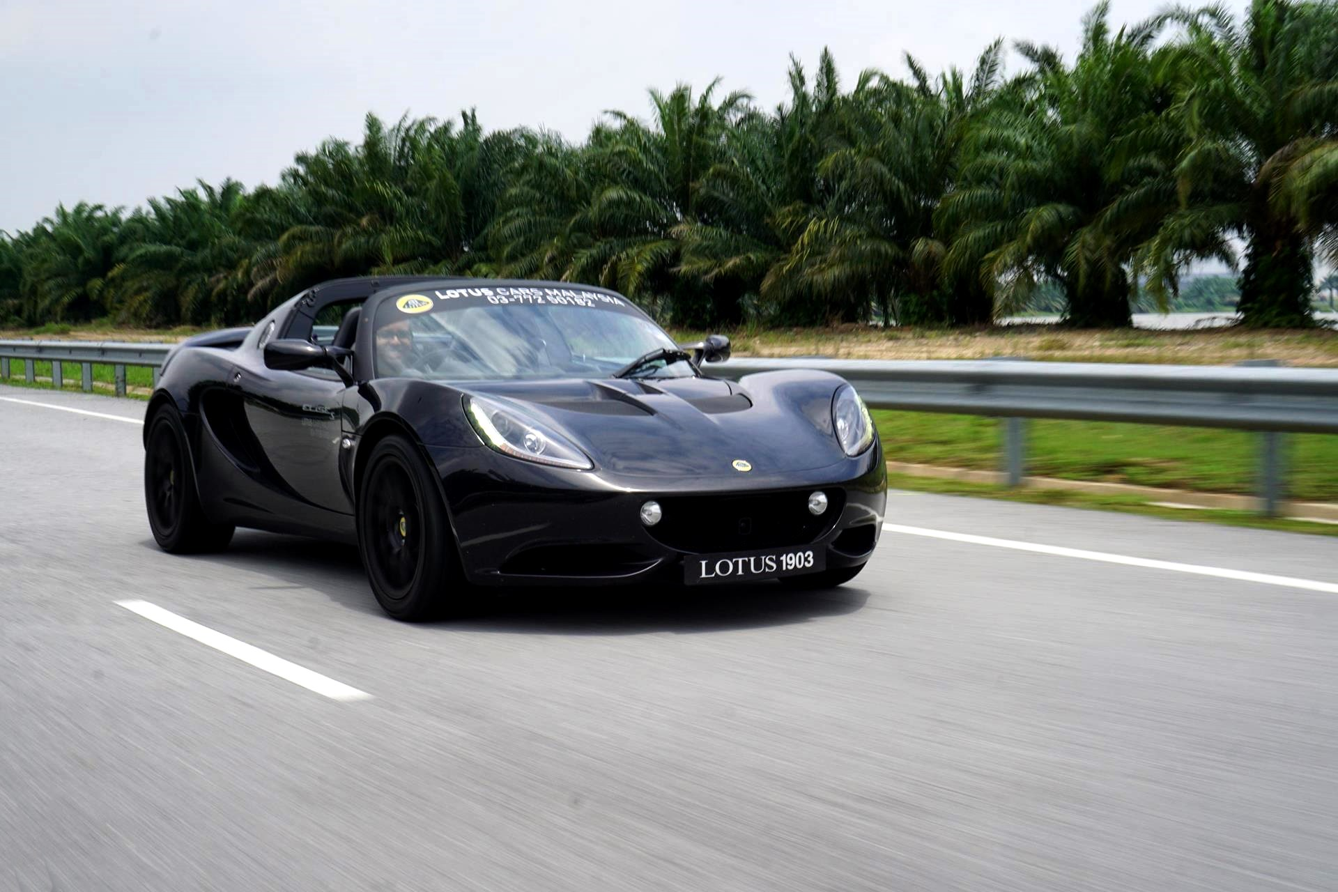 lotus to hire 200 new engineers on geely s dime