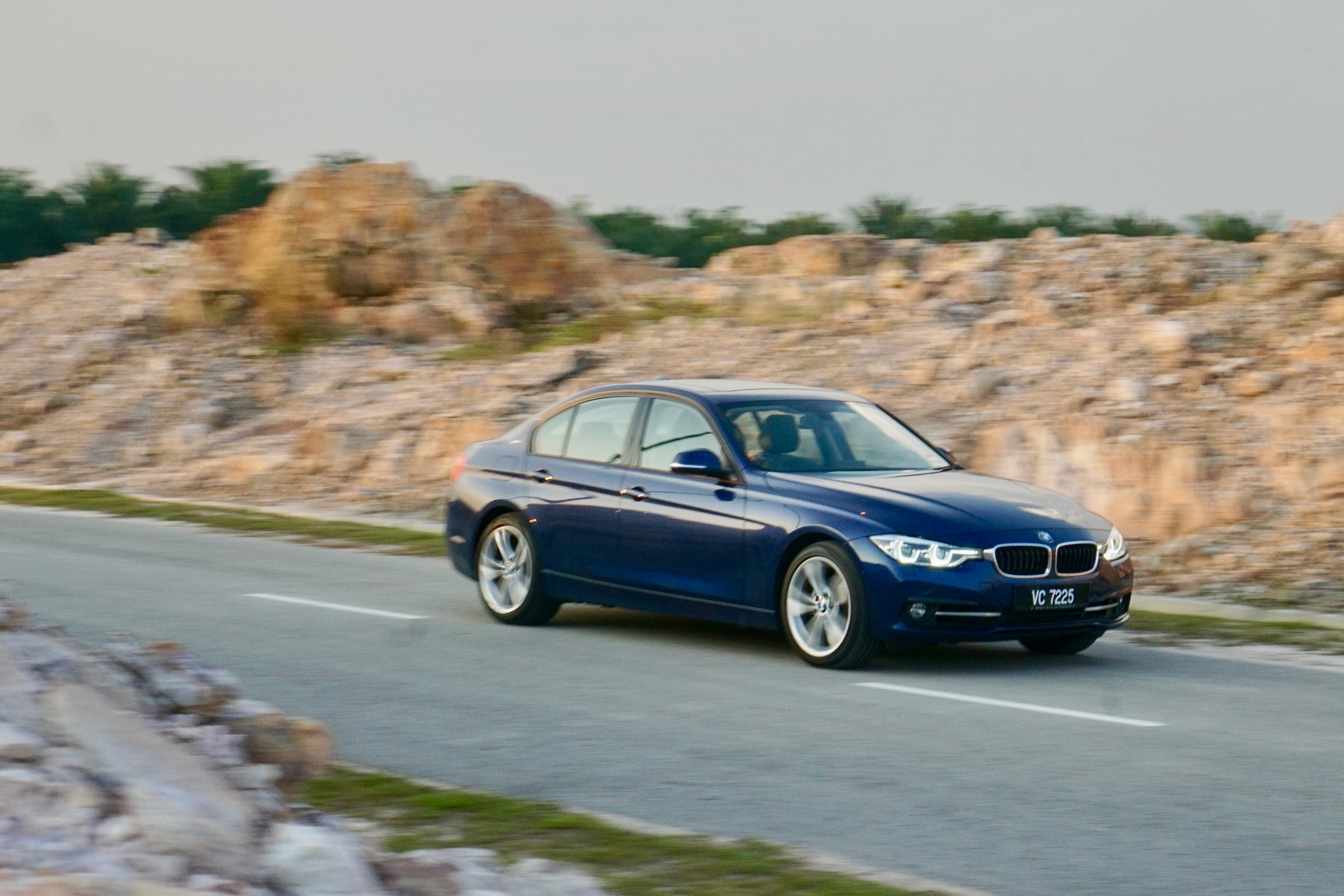 bmw 330e review guilt free driving glee until
