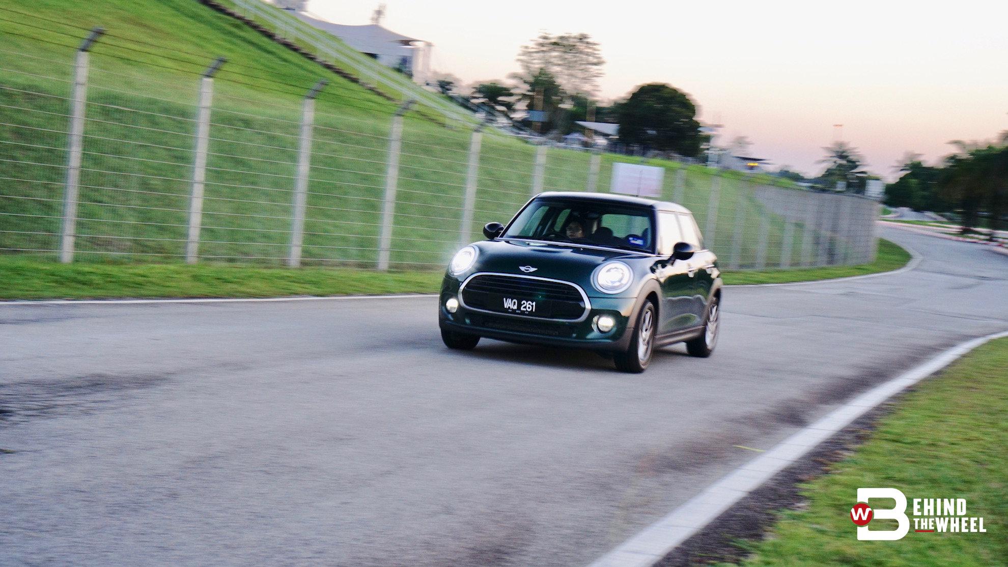 mini cooper 5 door review here s your 5 door go kart for the road
