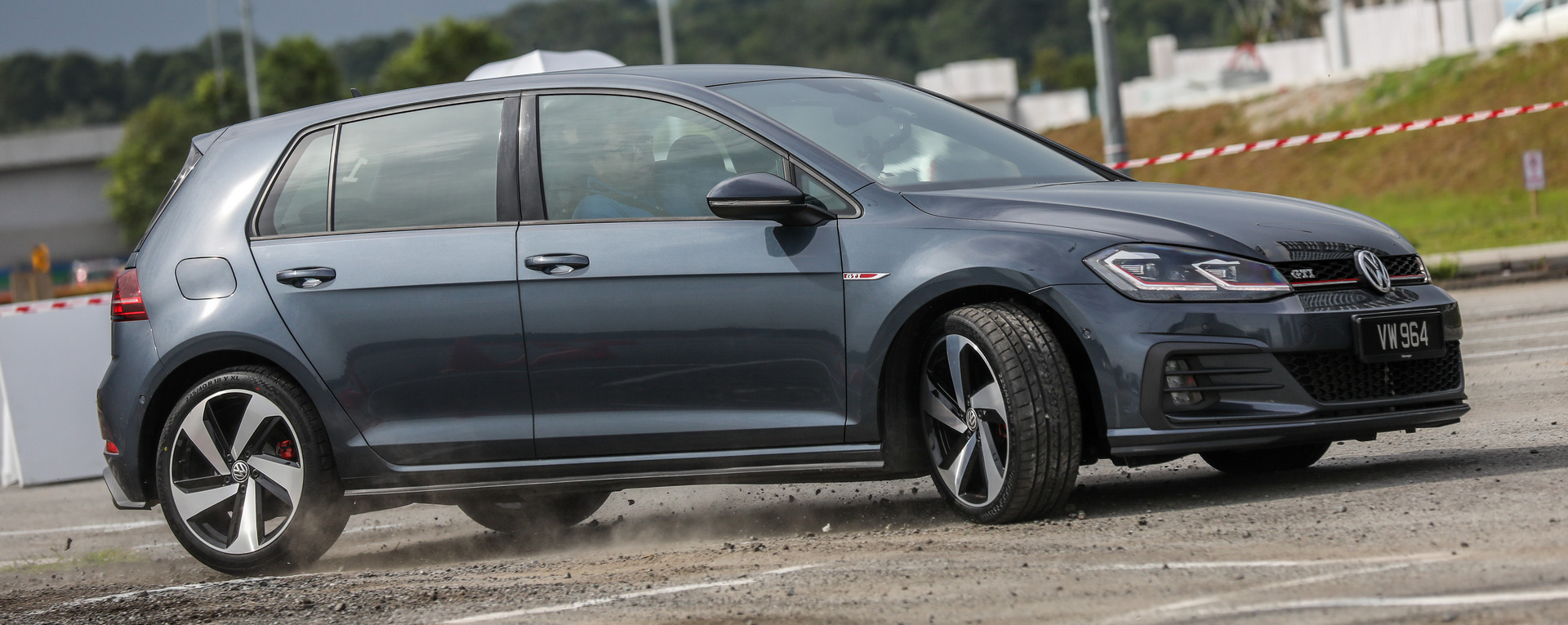 volkswagen golf gti mk7 5 review still the hole in one