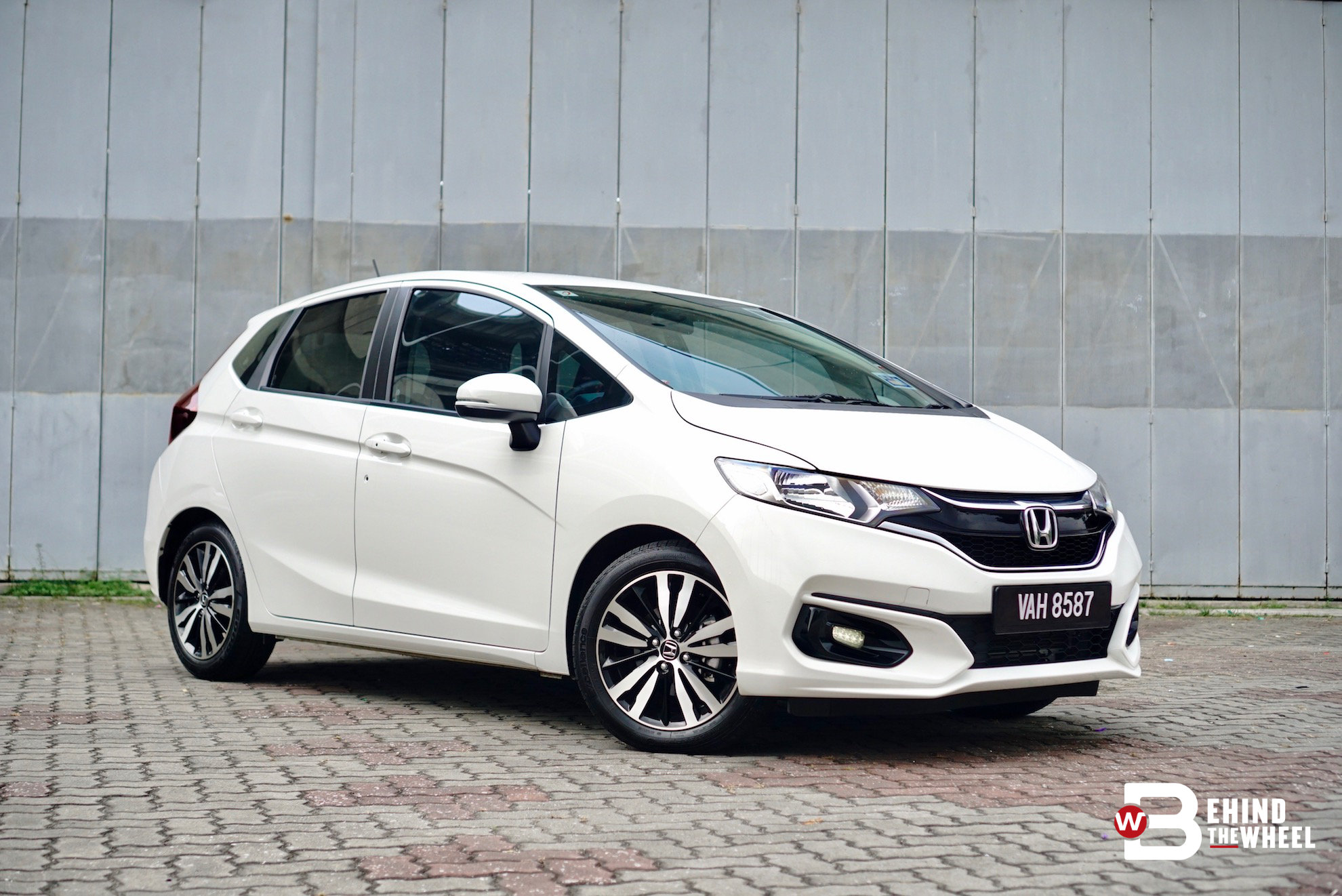 honda jazz v review compact body colossal interior