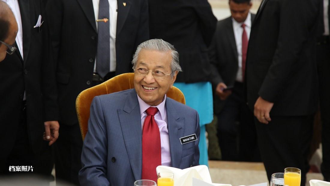 敦马向国家元首呈辞,也退出土团党总裁一职。