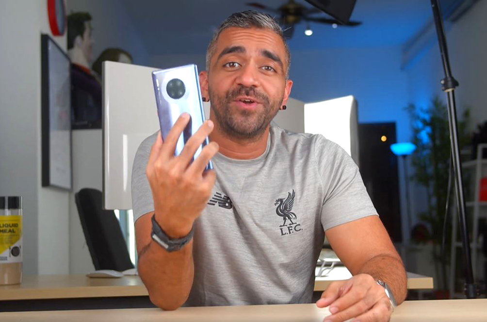 Tech Expert Adam Lobo Gives You His Review On The HUAWEI Mate 30 Pro