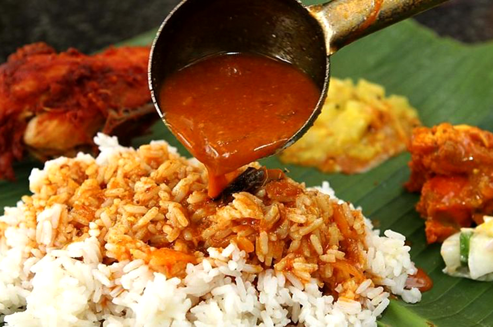 This Restaurant In PJ Is Offering All-You-Can-Eat Banana Leaf Rice Buffet For Only RM28!