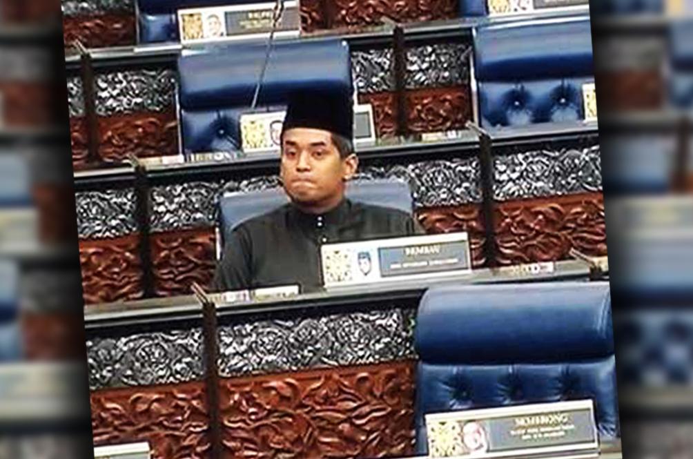 Malaysian Netizens Hail KJ As A Hero For Refusing To Walk Out Of Dewan Rakyat