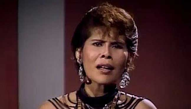 Mona Fandey started off as a singer.