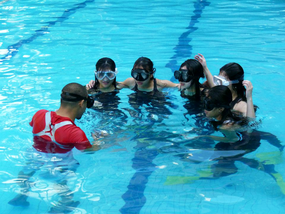 Dolphin Lee Aquatic provides training for mermaid-wannabes.