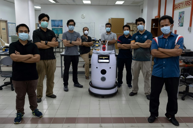 Meet the team that invented 'Medibot'.