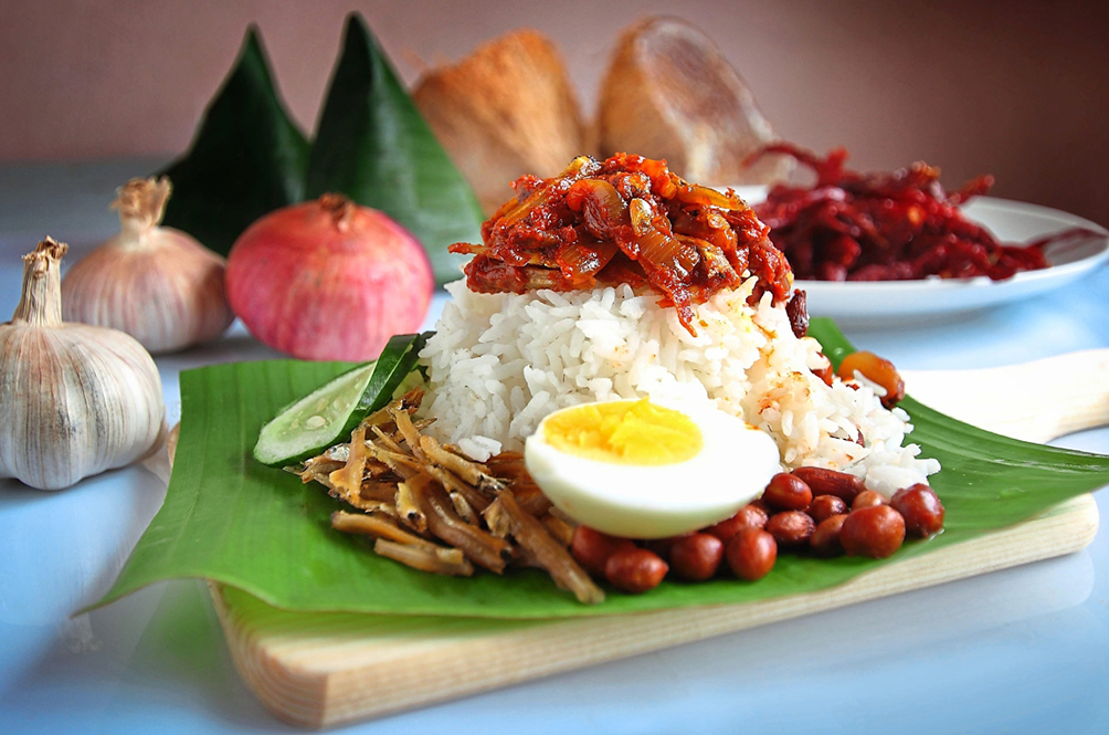 A Group Of Malaysians Arrested By The Police For Buying Nasi Lemak At 2am