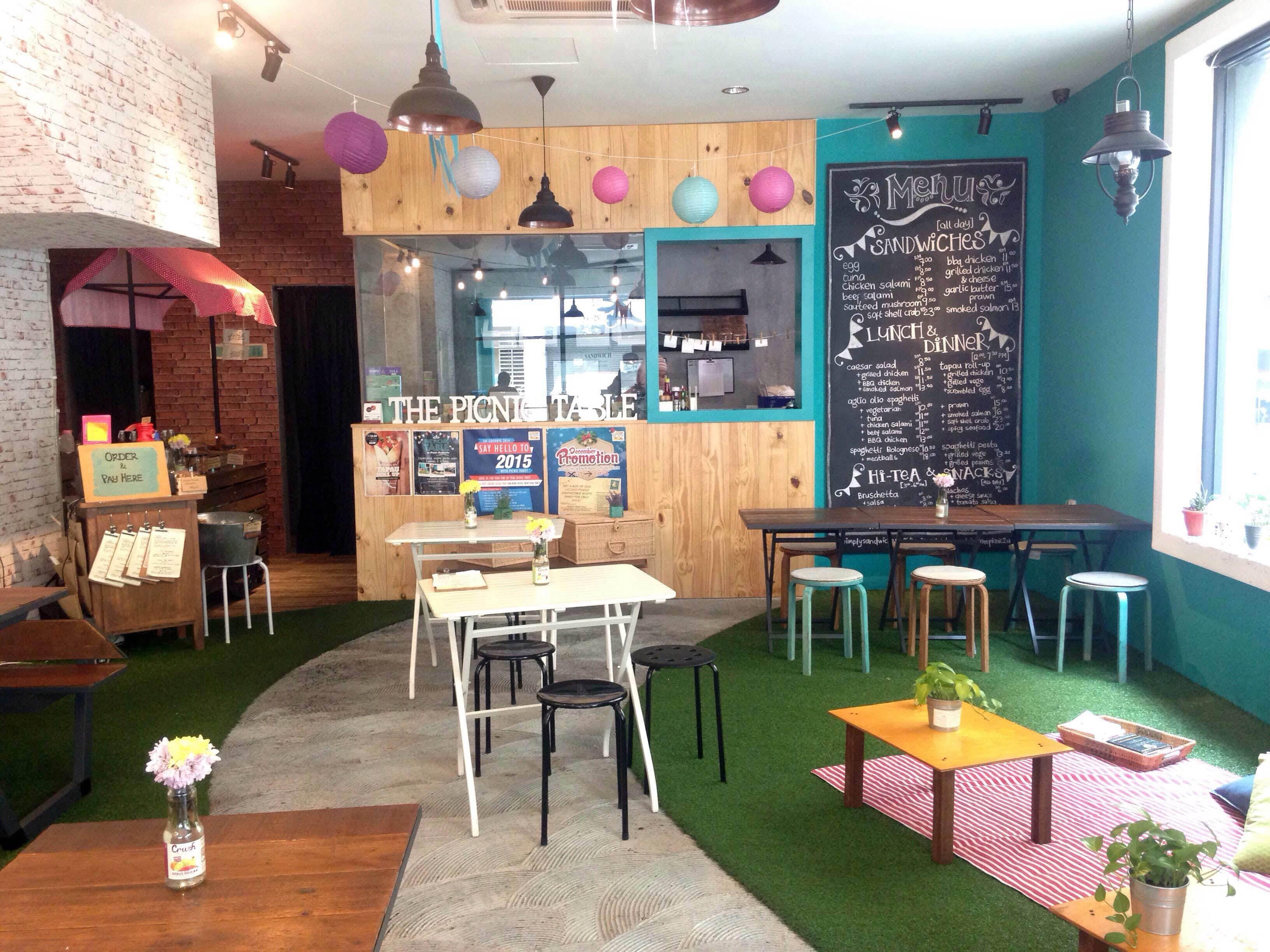 Fancy a picnic in a cafe?