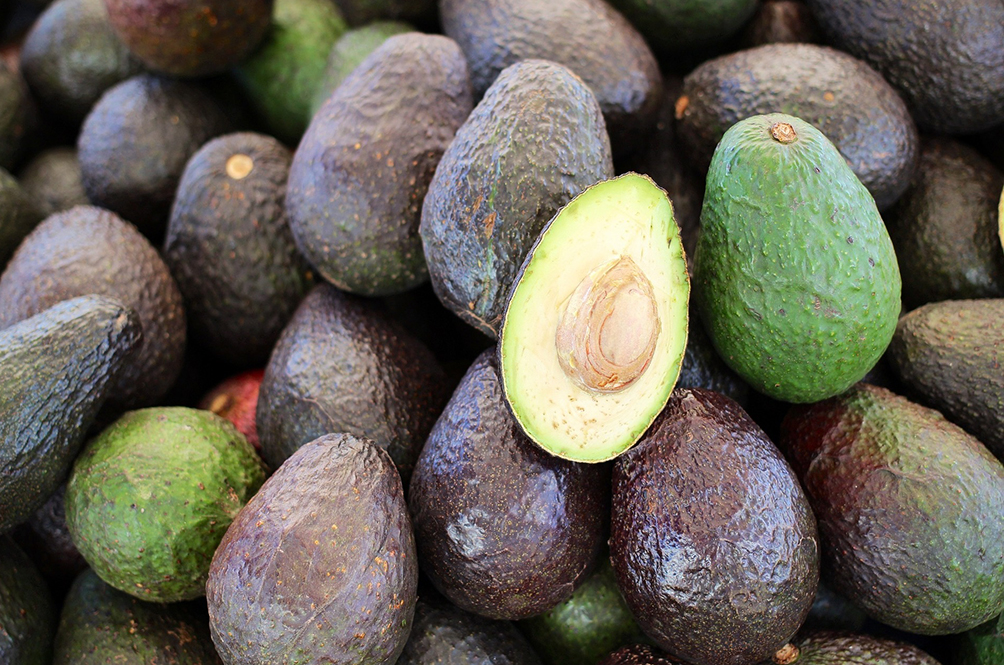 Man Robs Bank Using Just An Avocado...And Succeeds!