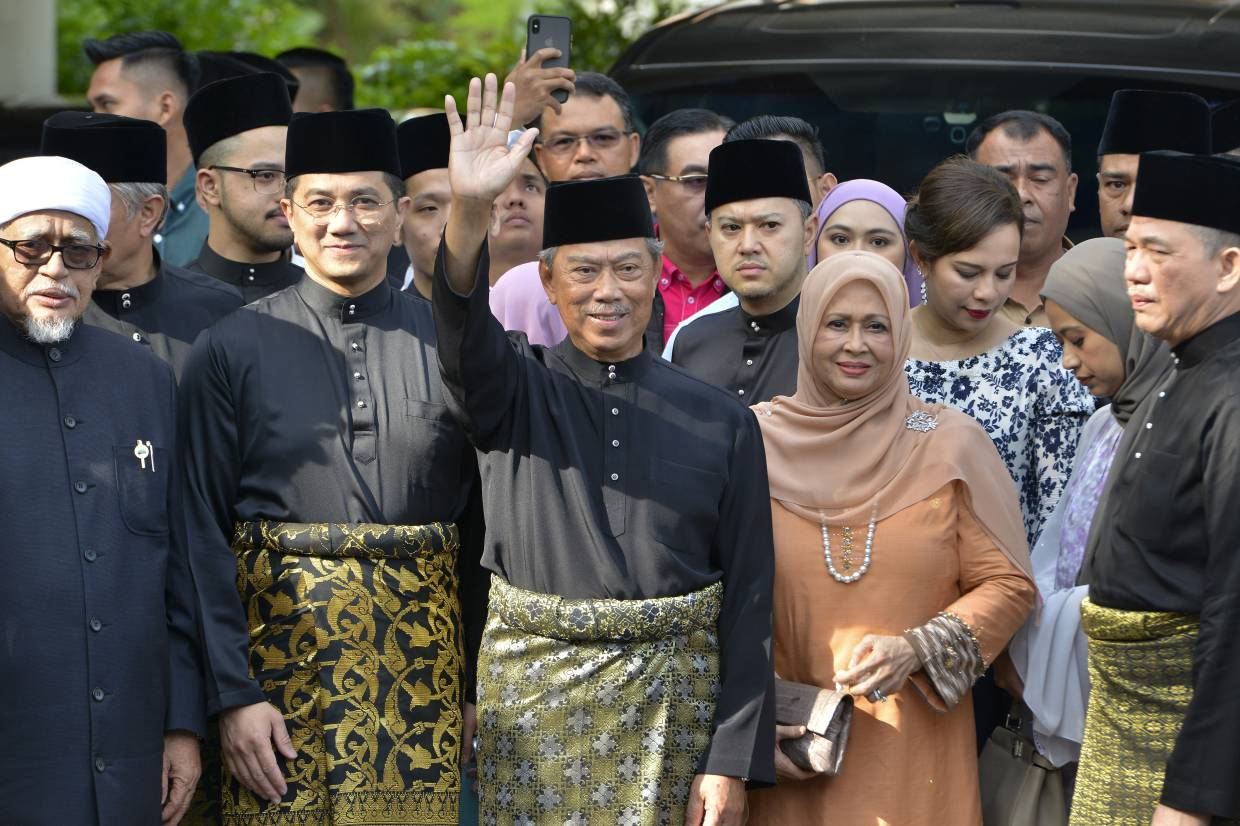 The cabinet will advise the Agong.