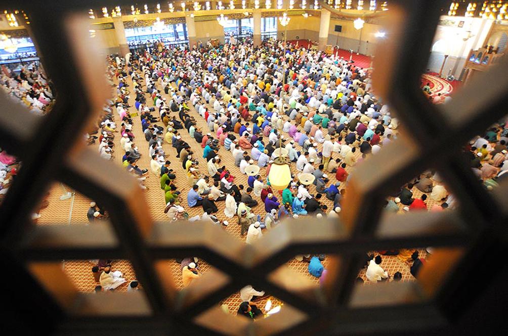 Hari Raya Cannot Be Postponed But Festivities Can, Says Minister