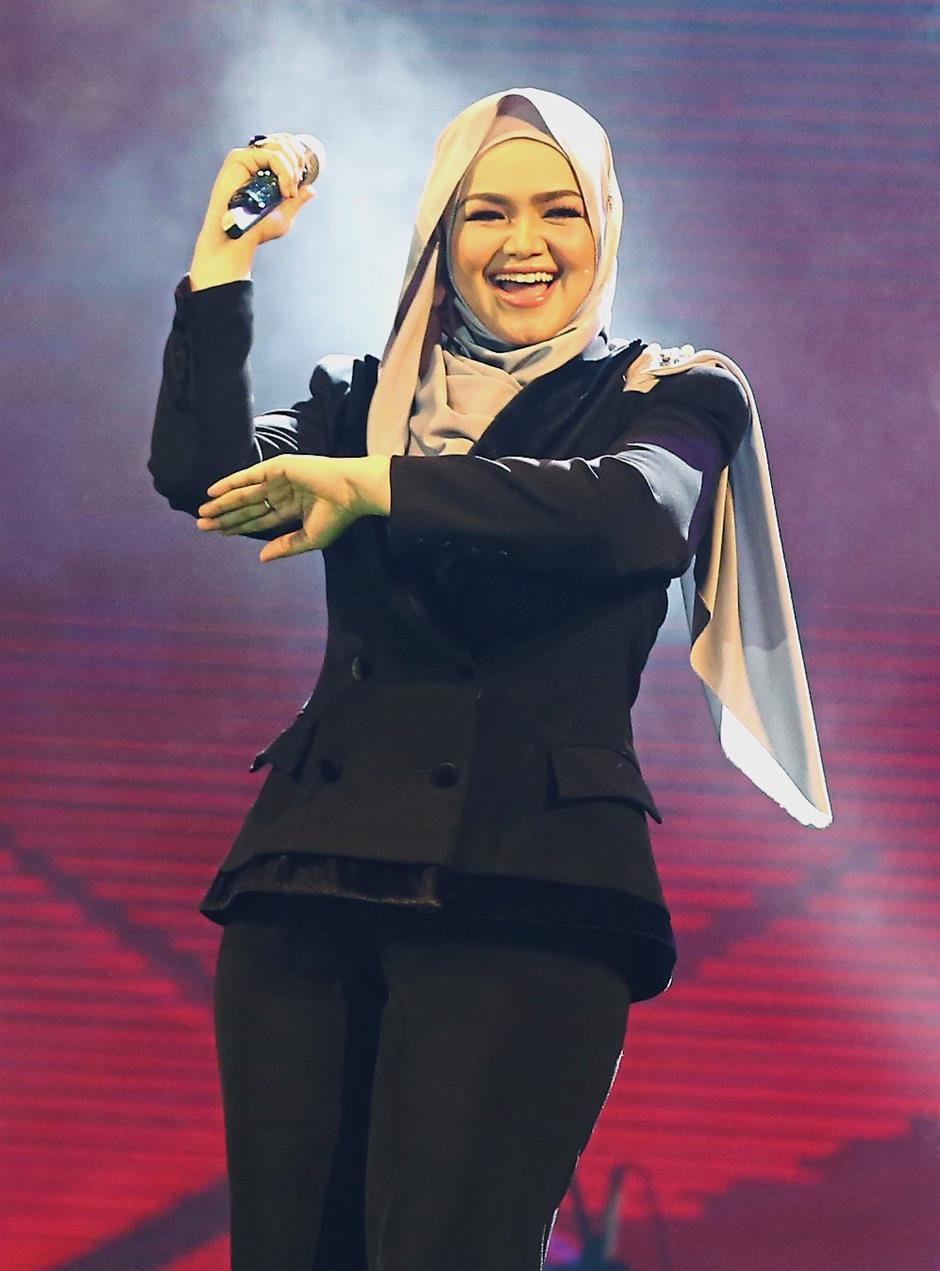 Dato Siti must be so proud.