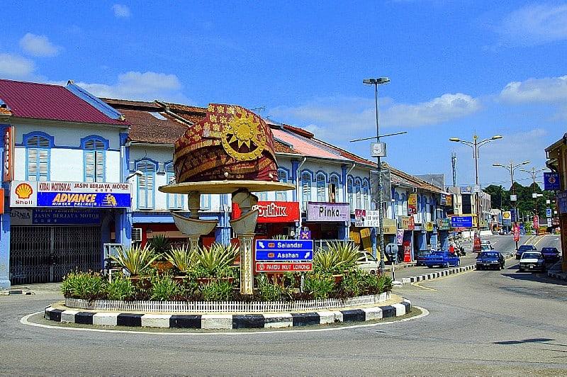 Stealing Bandar Melaka's thunder a bit.