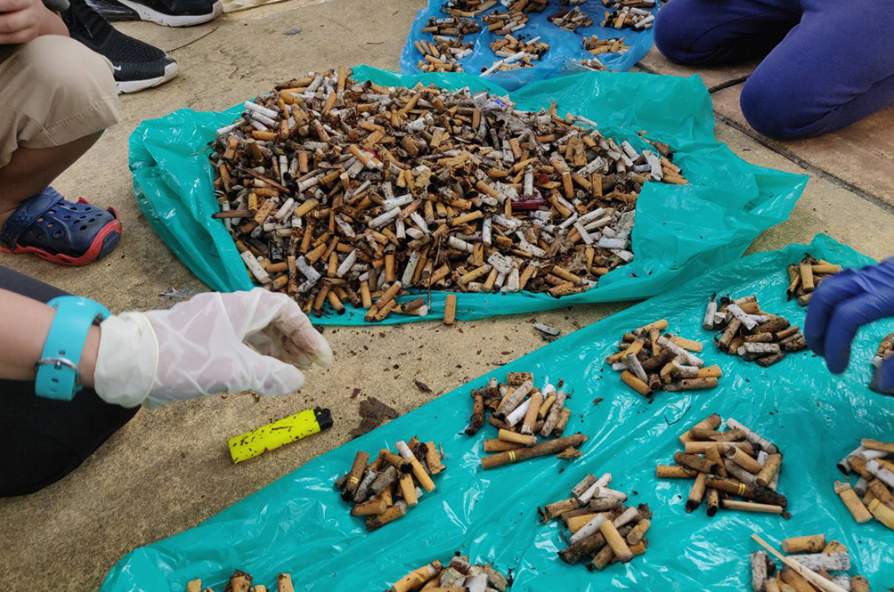 Japanese Man Shows The Amount Of Cigarette Butts He Picked Up On The Streets Of Putrajaya