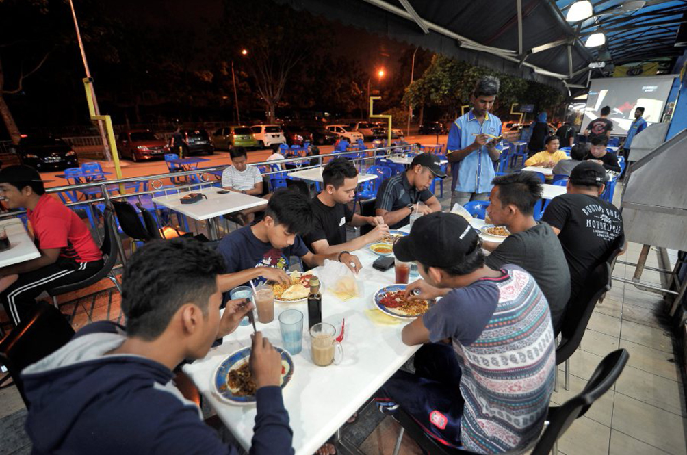 Eateries And Convenience Stores Can Operate Until Midnight Starting 10 June
