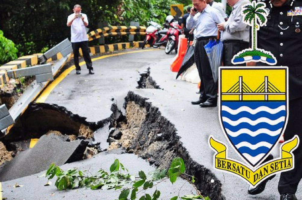 Penang Road Collapse Forces Closure and Evacuation