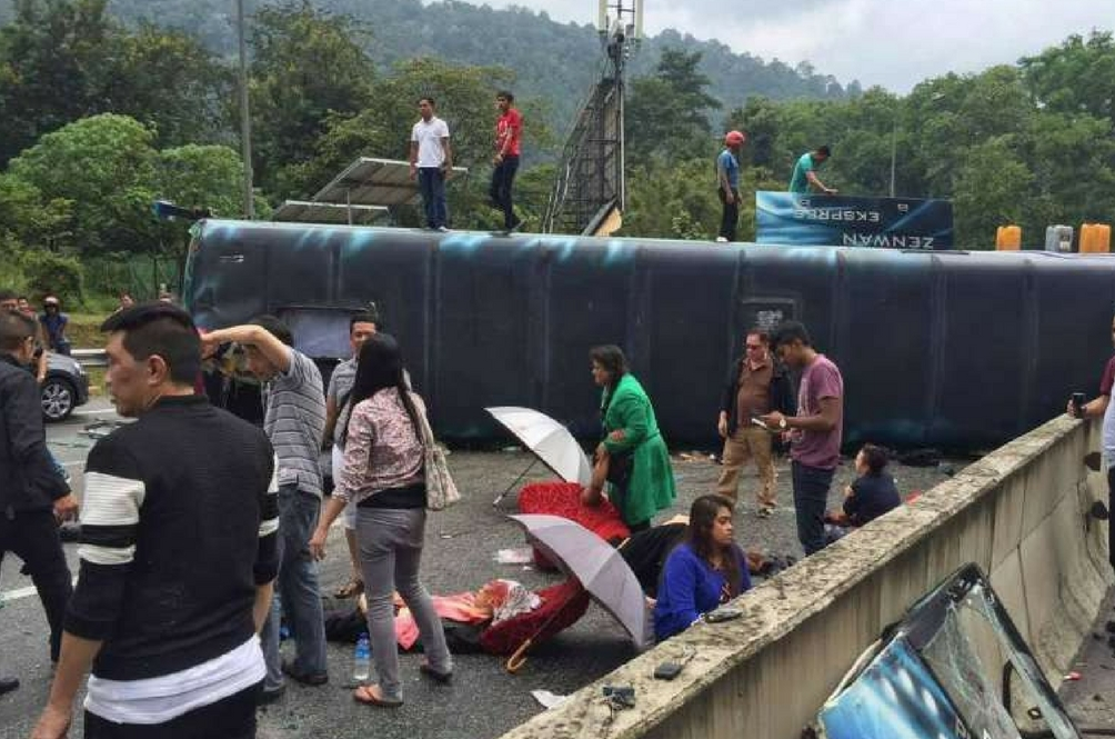 9 Singaporeans Injured After Tour Bus From Genting Overturns