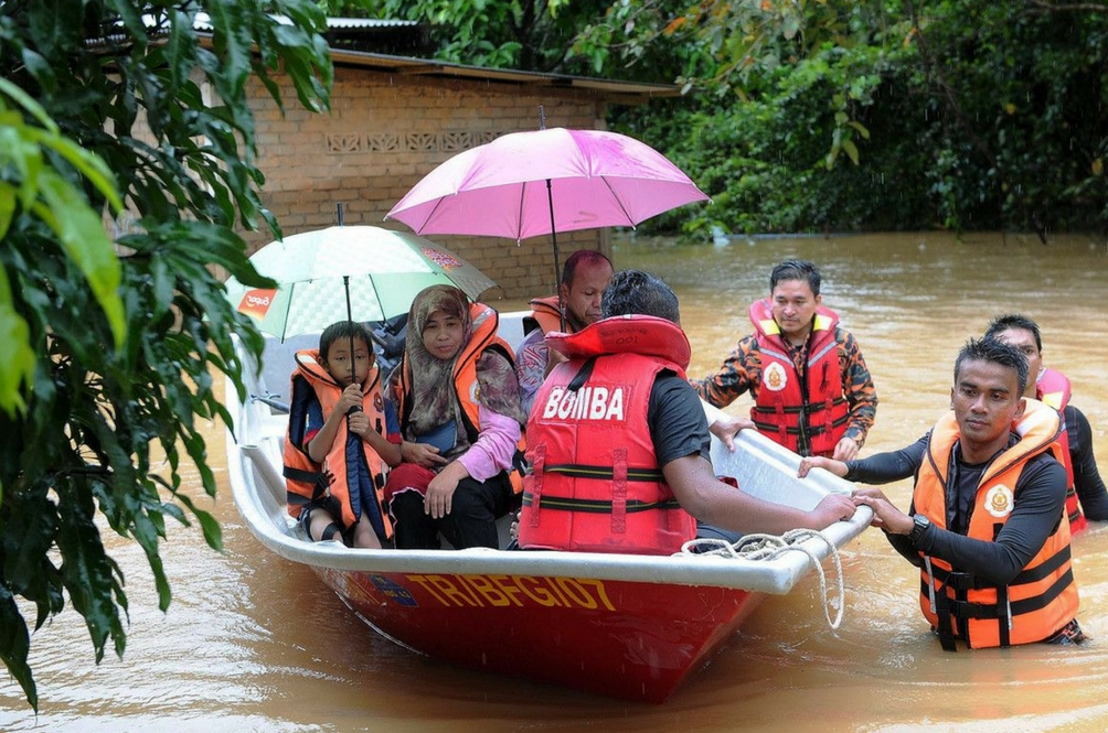 Terengganu Floods: More Than 10,000 People Seeking Refuge in Relief Centres