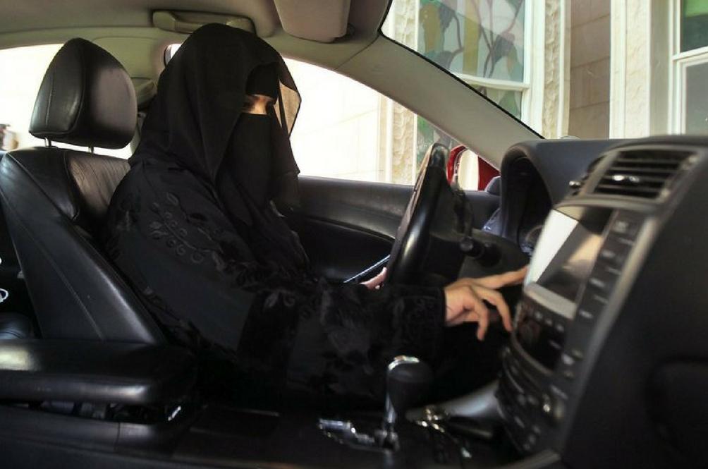 Jika Sebelum Ini Dilarang, Wanita Di Arab Saudi Kini Dibenarkan Memandu Kereta