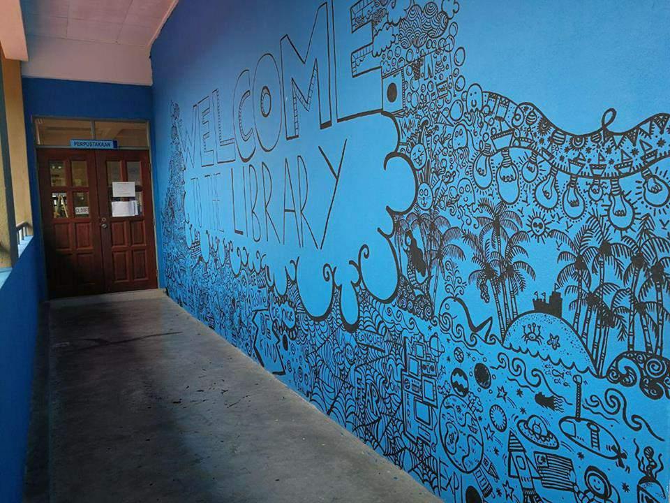 hasil doodle dinding perpustakaan.