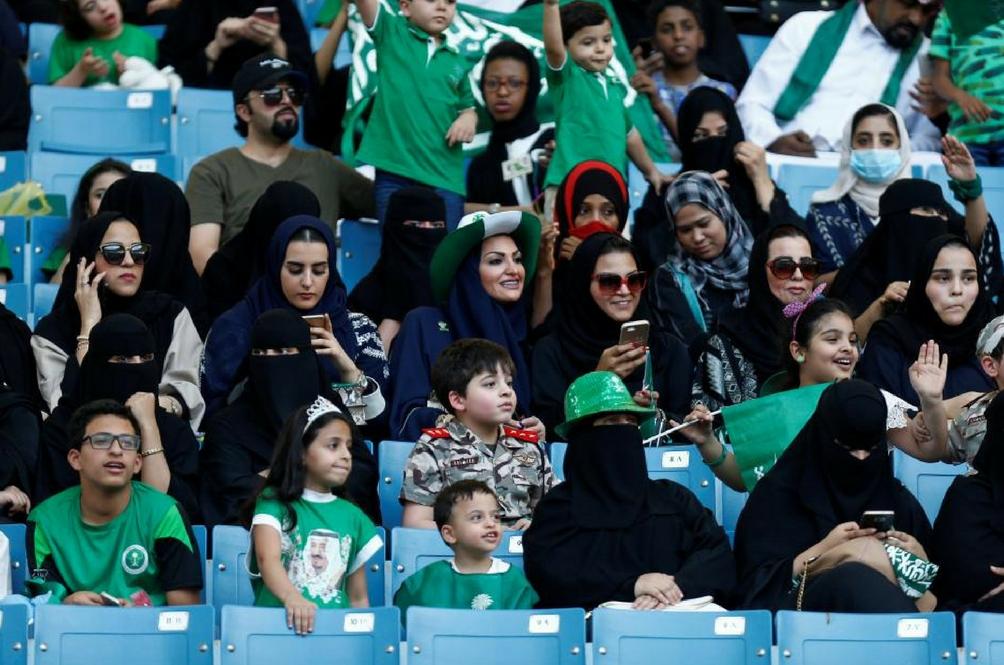 Arab Saudi Benarkan Wanitanya Masuk Ke Stadium Bagi Menyaksikan Perlawanan Bola Sepak