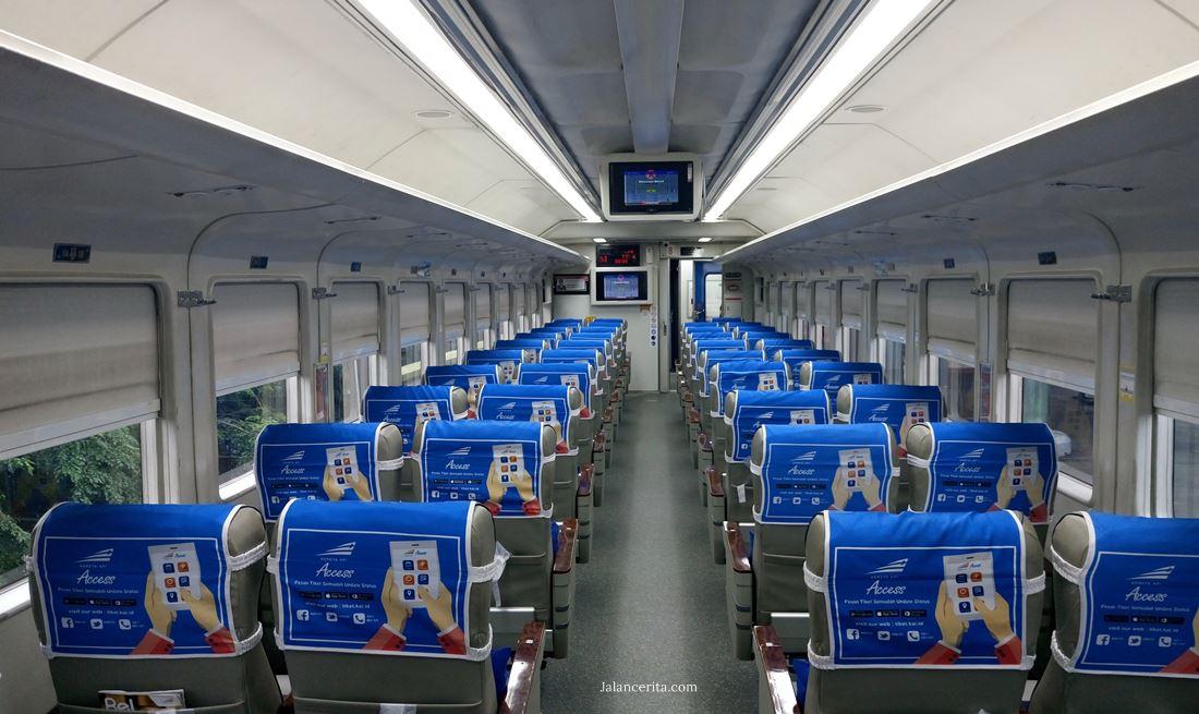 Naik kereta api dari Jakarta ke Bandung, murah dan ada pemandangan cantik!