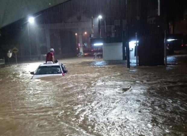 Banjir melanda Kuala Lumpur baru-baru ini.