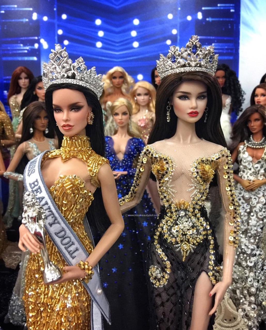 Cassandra bersama Miss Beauty Doll 2017 dari Jepun.