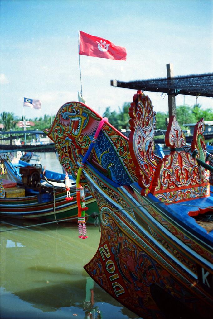 Perahu nelayan di Pantai Timur.