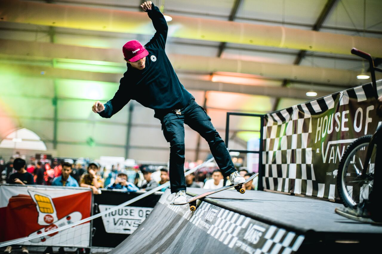 Ada pertandingan skateboard juga.
