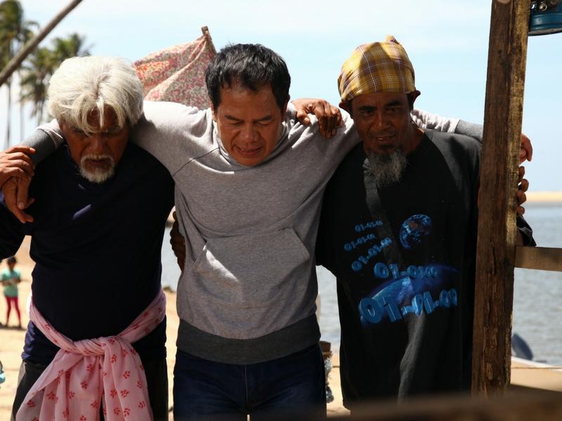Datuk Mustaza diselamatkan sekumpulan nelayan.