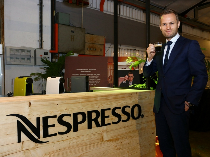 Geoffrey Dalziel, Business Development Manager of Nespresso merasmikan Barista Nespresso.
