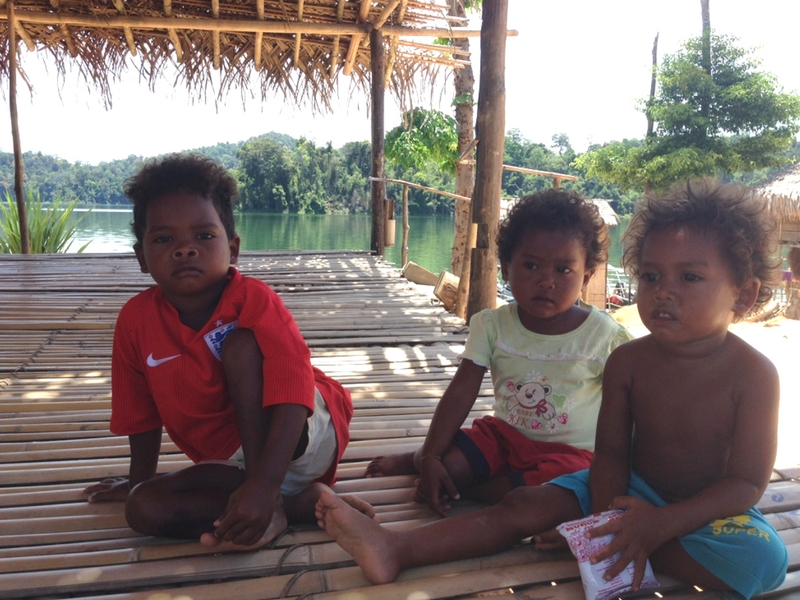 Anak-anak Orang Asli Kampung Aman Damai, Grik, Perak.