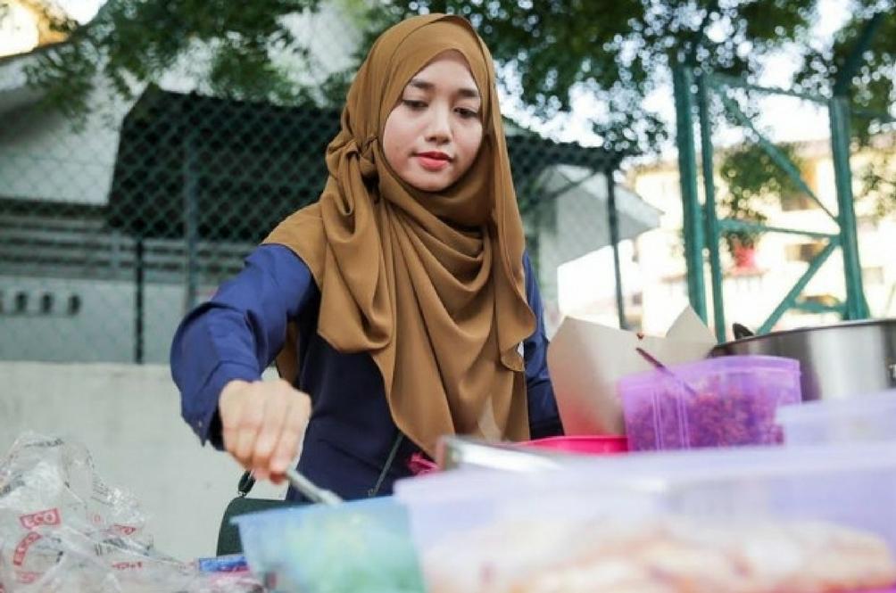 5 Fakta Tentang Gadis 'Nasi Lemak Anak Dara'