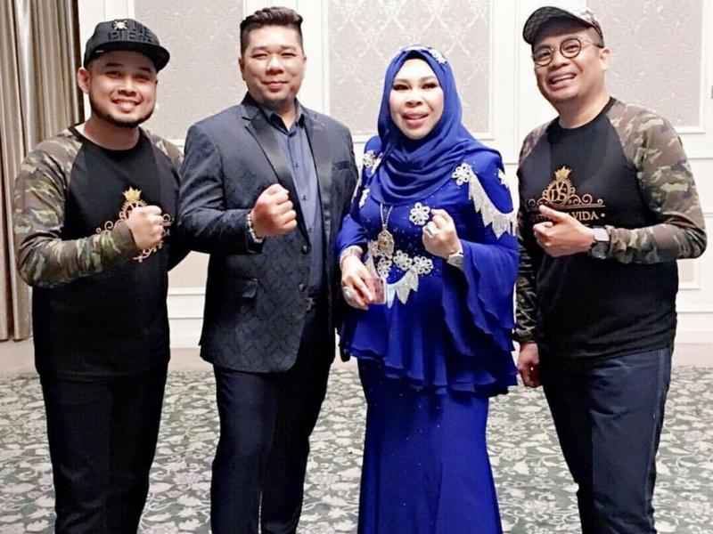 Dato Seri Vida Hadiahkan Pakej Umrah Untuk Shidi Data Dan Isteri Entertainment Rojak Daily