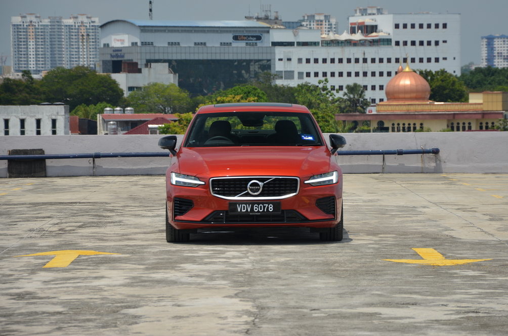 Here's Why You Really Shouldn't Lose Sleep As Volvo Begins Capping Its Cars To 180kph
