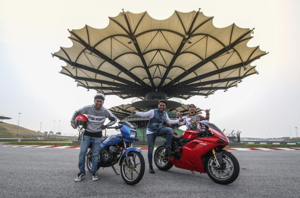 The Yamaha RX-Z And Ducati 1198 Makes A Special Four-Wheeled Roda Panas Episode, Featuring Achey And Beto Kusyairy