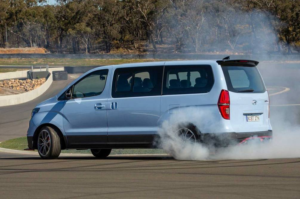 Hyundai Australia Built A 402hp Twin-Turbo Drift Bus